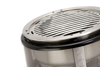 Met de Cobb BBQ kit gril je, in tegenstelling tot de andere Cobb accessoires, indirect. Je grilt met de BBQ kit rechtstreeks boven de briketten!