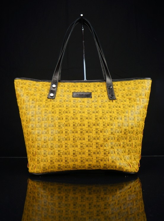 Authentic inches hand made bag. http://shop.momaboma.it/en/shop-soft/86-shop-tailor-s-inches-bag.html