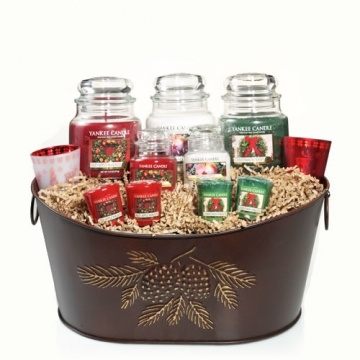 Large pinecone tin gift set gift basket yankee candle for Christmas candle gift ideas