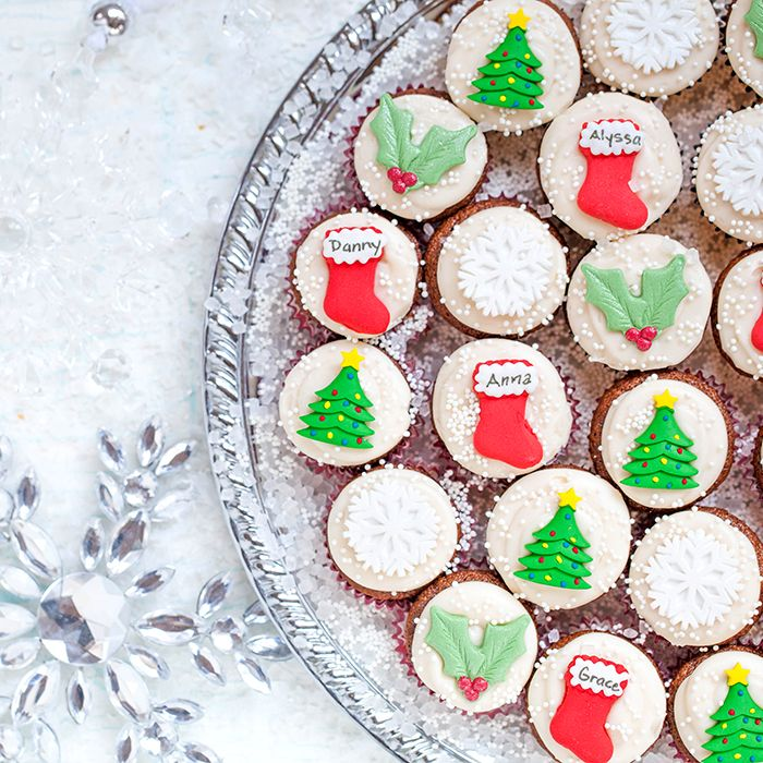 Holiday Gingerbread Mini Cupcakes with Cream Cheese