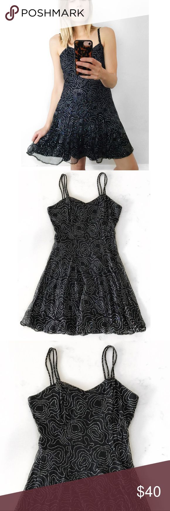 """Vintage Sequin Skater Dress ✨ LBD Dazzling fit and flare """"little black dress"""" from the 80s/90s. Features a sweetheart neckline and zip back closure with a fitted bodice and flared mini skirt and sequins allover. Perfect for cocktails or that final song on the dance floor. US size M - fits like a US size 4-6. In excellent pre-owned, vintage condition  #black #cocktail #party #sexy #sequin #dresses #skirts #& Vintage Dresses"""
