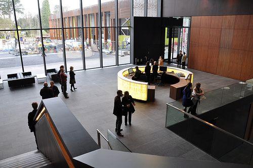 Foyer And Entryways University : The entrance foyer jhbb oxford brookes university