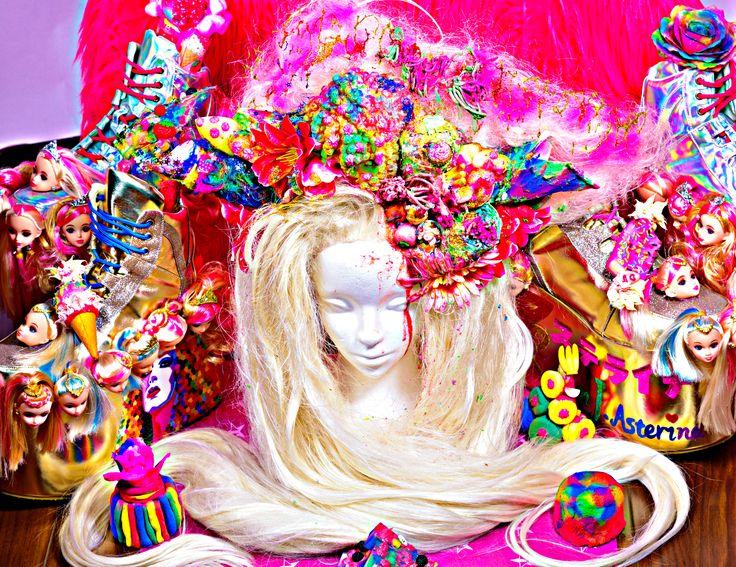 Surprise headdress for my friend's birthday  明日まで乾かなかったらごめんね #makeup #hairroinsalon #wig #customwig #dragqueen #rupaulsdragrace #cosplay #bighair #waves #pinupgirl #art #glamour #behindthechair #modernsalon #hairbrained #hairnerd #ryanjasterina #アステライナ