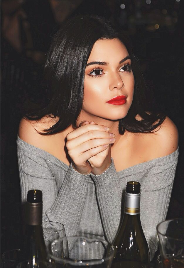 | Kendall Jenner |- such a fresh faced makeup look