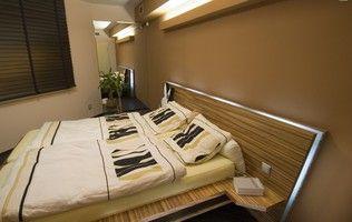 Manželská postel - dýha zebráno