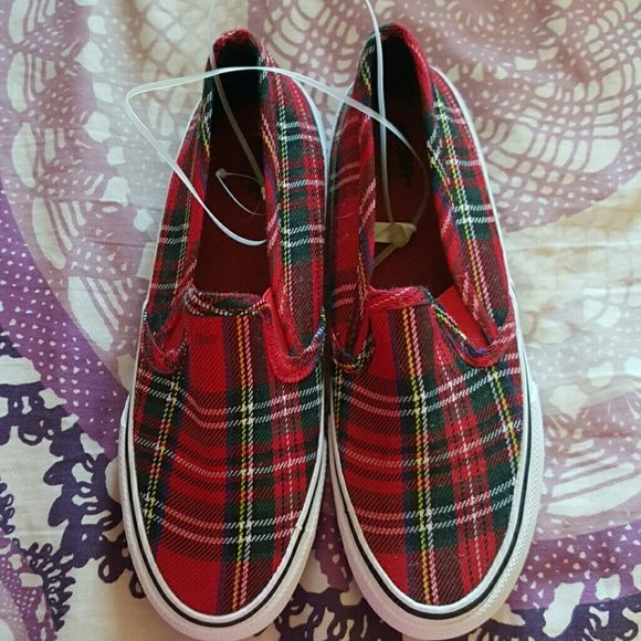 Mossimo Mad for Plaid Tartan Shoes Brand new never been worn sz 6 Mossimo Supply Co Shoes Flats & Loafers