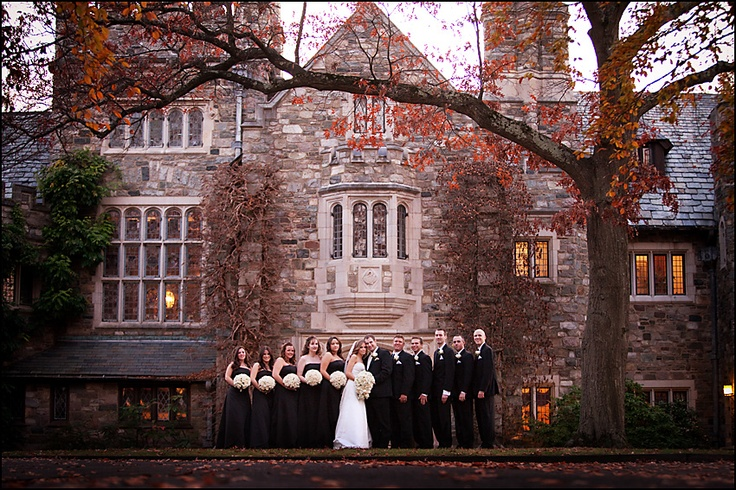 Photo of wedding party in front of Skylands Manor at the