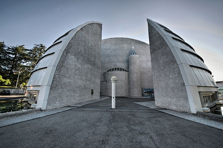 PARROCCHIA-KOLBE-2.jpg Church St. Maximilian Kolbe, Varese - Viale Aguggiari. Sunday, April 19, 2015, at 3.00pm http://www.varesecittagiardino.it/file/2015/VISITE_GUIDATE_2015%20%281%29.pdf