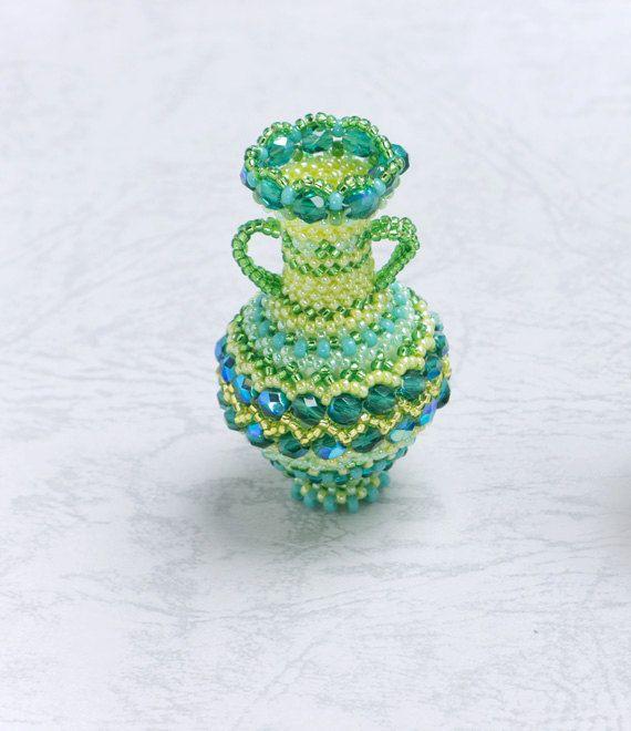 Beaded Decorative Zigzag Pattern Vase with Plaited Herringbone Stitch, Green, 351-1-grn
