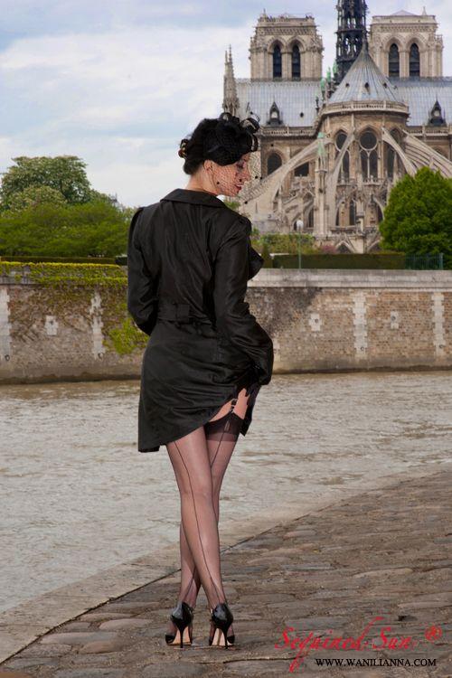 wanilianna: WANILIANNA AND HER NYLON STOCKINGS IN PARIS BY ...