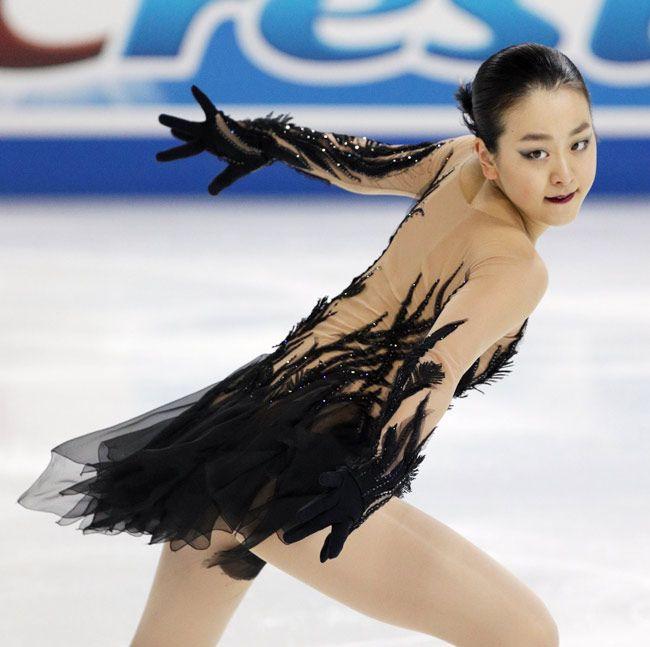 フィギュアスケート・グランプリ(GP)シリーズ第1戦、スケートアメリカの女子ショートプログラム(SP)で演技する浅田真…