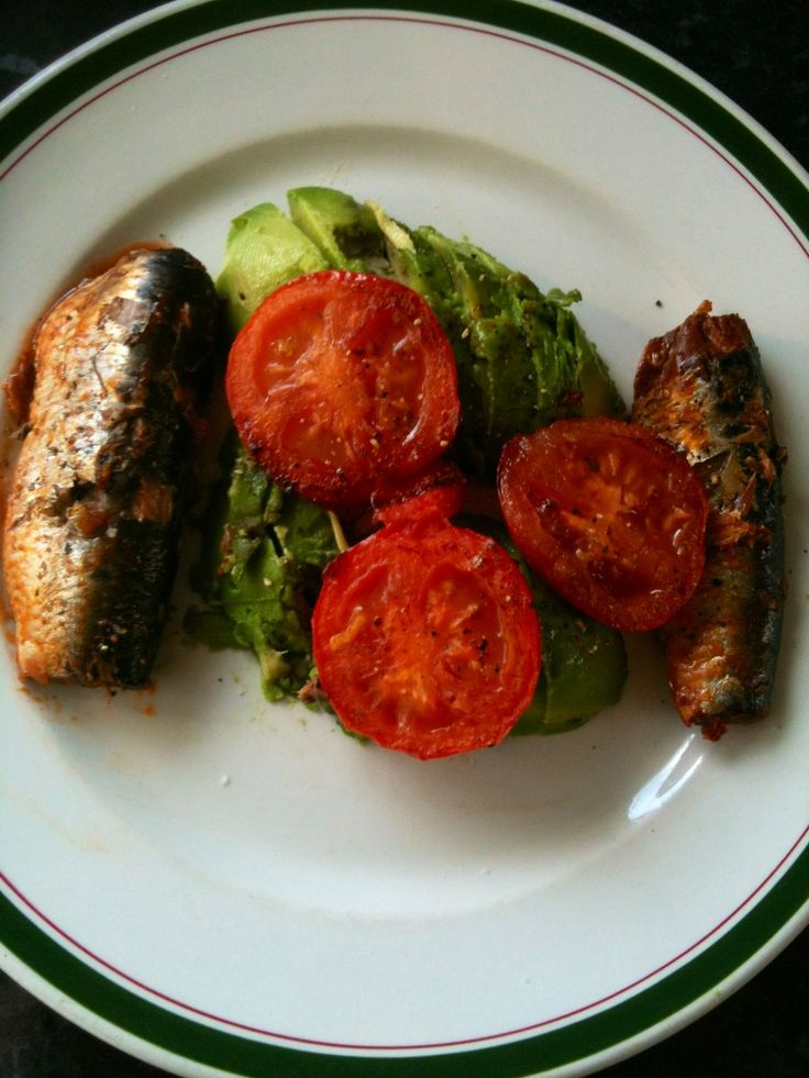 Avocado,grilled pilchards and tomatoes,with lemon and extra virgin olive oil