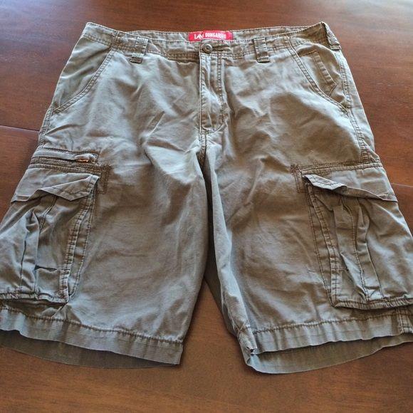 Men's Lee Dungarees cargo shorts size 34 Men's Lee Dungarees size 34. Lee Dungarees Shorts Cargos