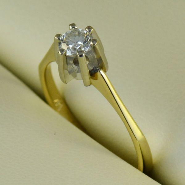 Inel de logodna cu diamant, aur alb si galben - Artofdiamonds.ro http://www.artofdiamonds.ro/inele-de-logodna-1/inele-de-logodna-cu-diamant/inel-de-logodna-cu-diamant-aur-alb-si-g #diamante  #ineledelogodnacudiamant #inelcudiamant #diamonds #diamondengagementrings #diamondrings