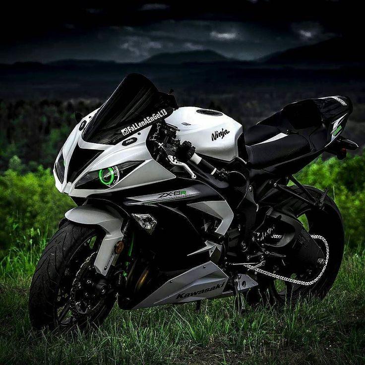 #Repost @ninja_lovers @Regrann from @fallenaengel13 - . Who else likes these dark themed shots? Just curious. . #AmaturePhotography #AmaturePhotographer #Kawasaki #Kawasexi #Kawi #KawasakiNinja #Ninja #ZX6R #636 #Sex3Sex #Motorcycle #Motorcycles #SuperSport #Sportbike #StreetBike #BikesofIG #BikersOfInstagram #BikeLife #SportbikeLife #SportbikeAddicts #BikePorn #PicOfTheDay #PhotoOfTheDay #BestOfTheDay #Follow #BadAss #Epic #PNWRiders #PNW