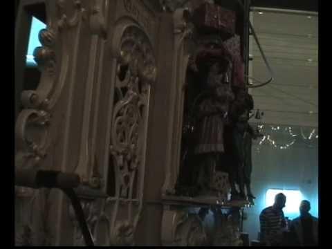 Draaiorgel 'De Jupiter' speelt Sinterklaasliedjes.