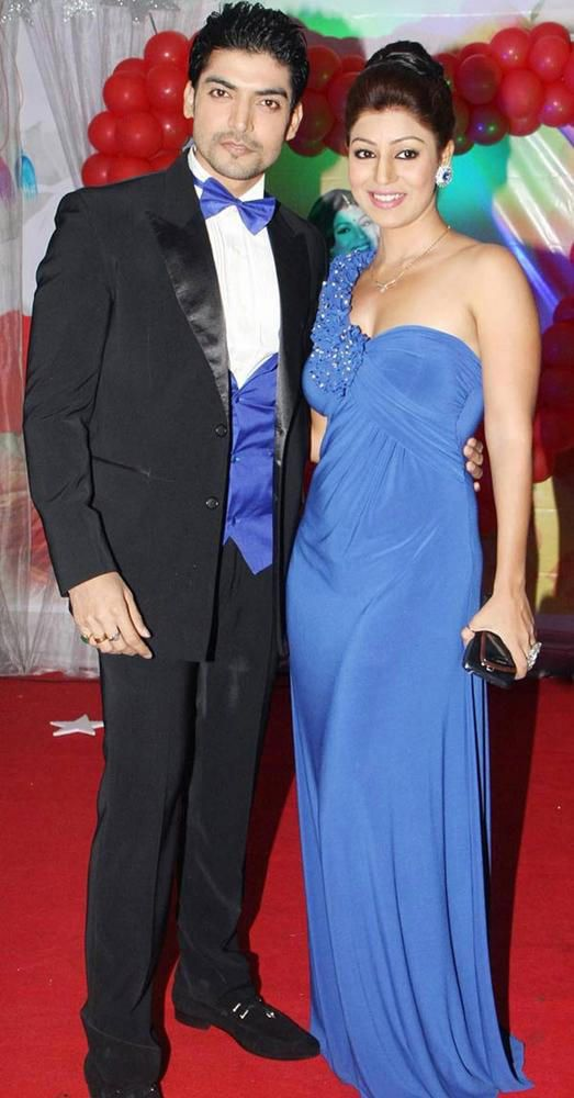 Gurmeet Choudhary - Debina Bonnerjee #Bollywood #Fashion #Style #Tellywood