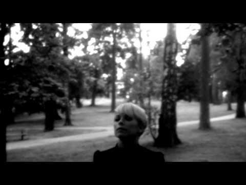 Petra Marklund – Händerna mot himlen