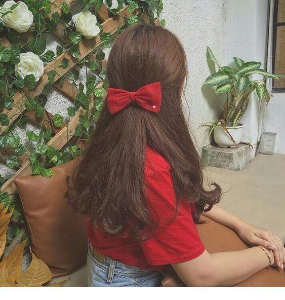 Red bow, brown hair - ChicLadies.uk