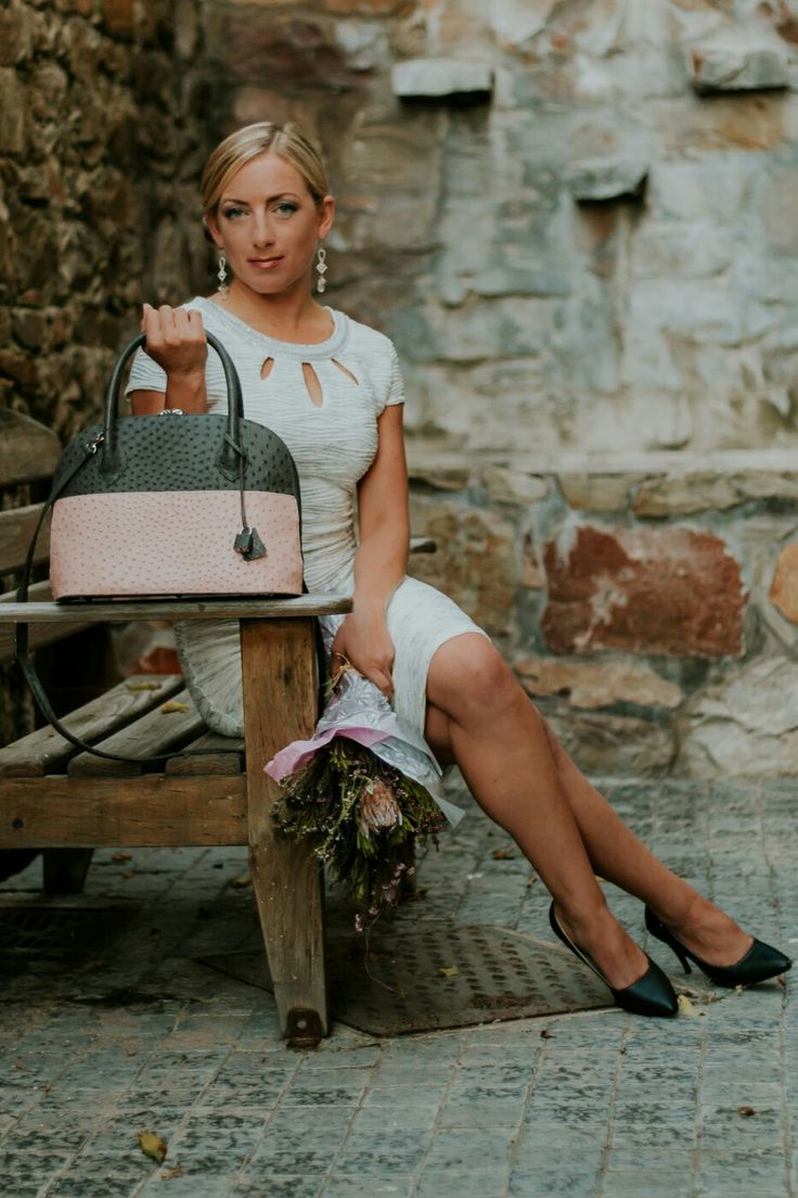 Bordeaux in Grey and Pink. Aruvali Designs. https://www.aruvalidesigns.co.za