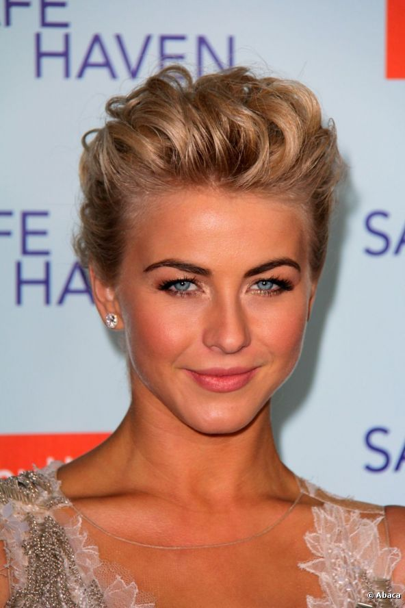 Celebrity Red Carpet Hairstyles | Julianne Hough wore another volume-filled, fluffy style for the ...
