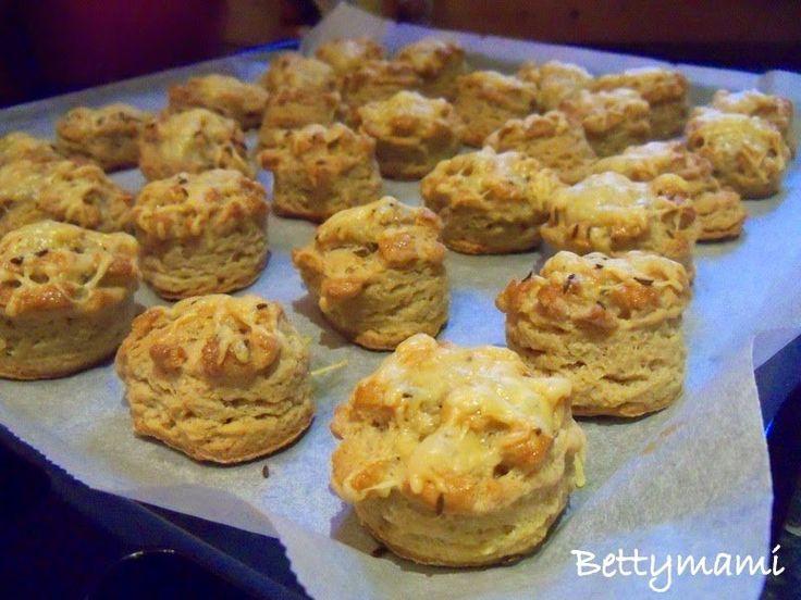 Kovászos sajtos pogácsa | Betty hobbi konyhája