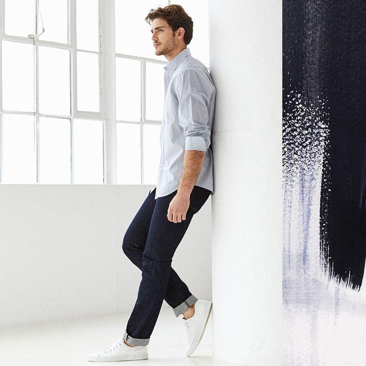 Не секрет, что комфорт для мужчин – важнейший критерий при выборе джинсов. Поэтому дизайнеры мужской коллекции DL1961 уделяют тканям и лекалам особое внимание. А изысканные темные варки выдают статус люксового бренда.  За что джинсы DL1961 и стали популярны в мужской аудитории. Выбрать себе новую любимую пару вы сможете в JiST или jist.ua #stylish #navy #DL1961 #jeans help to create #chic #fall #outfit #мода #стиль #тренды #джинсы #стильно #осень #киев