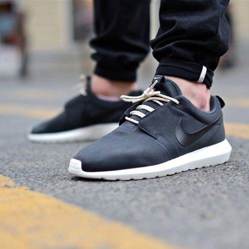 https://i.pinimg.com/736x/ed/d9/0a/edd90ac3e5ec452dcd88dba84ce2e10e--nike-shoes-outlet-nike-free-shoes.jpg