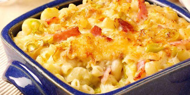 Vemale.com - Siapa bilang membuat makaroni itu sulit? Anda bisa mencoba resep makaroni panggang keju yang enak dan mudah ini.