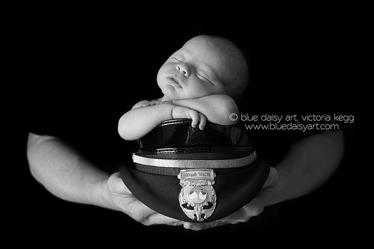 Newborn baby boy & police officer dad    Springfield IL Newborn Photographer | Blue Daisy Art