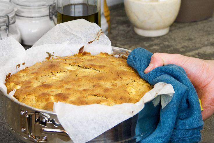 GNAMBOX - la torta saracena di mele è uno di quei dolci autentici e dal gusto semplice. Ci piace prepararla spesso e lasciarne una parte per colazione