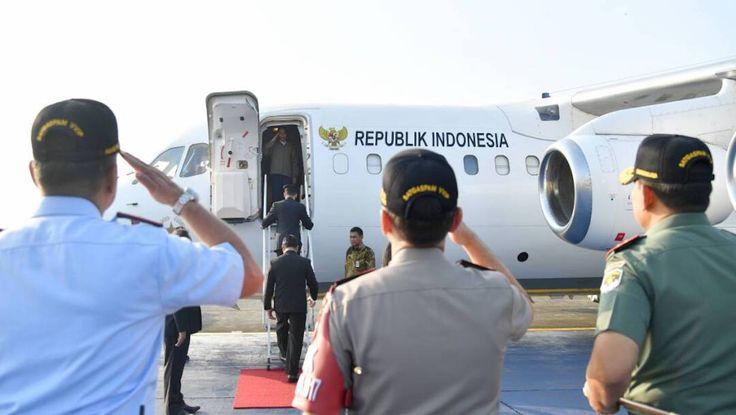 Presiden Jokowi dengan menggunakan Pesawat Kepresidenan RJ-85 bertolak ke Kabupaten Natuna, Provinsi Kepulauan Riau, Jumat (19/5). JAKARTA ,19 May 2017-Presiden Joko Widodo dengan menggunakan Pesaw…
