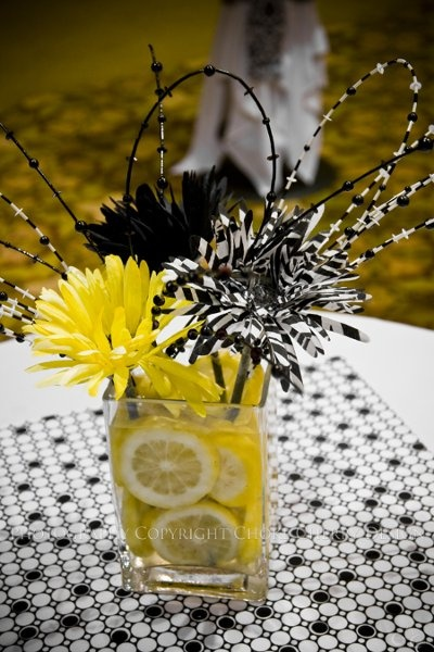 Boho Chic Hollywood Glam Modern Black White Yellow Ballroom Centerpiece Centerpieces Daisy Indoor Reception Mississippi Modern Space Summer Wedding Flowers Photos & Pictures - WeddingWire.com