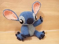 2000 Free Amigurumi Patterns: Stitch from Lilo 'n Stitch - Free Amigurumi doll crochet pattern