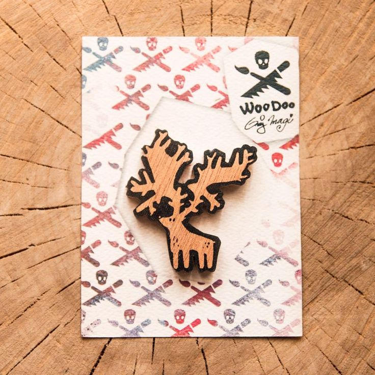 Moose (or elk?)  // Los (nebo sob?)  wooden brooch via WooDoo -- wooden accessories. Click on the image to see more!