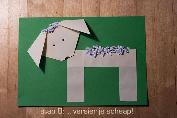 Vouw een schaap, een leuk werkje voor bij het thema lente. Je hebt nodig: 2 vouwblaadjes, een vel A4 papier, een schaar en de inhoud van een perforator.