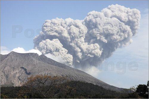Ash Eruptions | Ash cloud following explosive Vulcanian eruption, Sakurajima Volcano ...