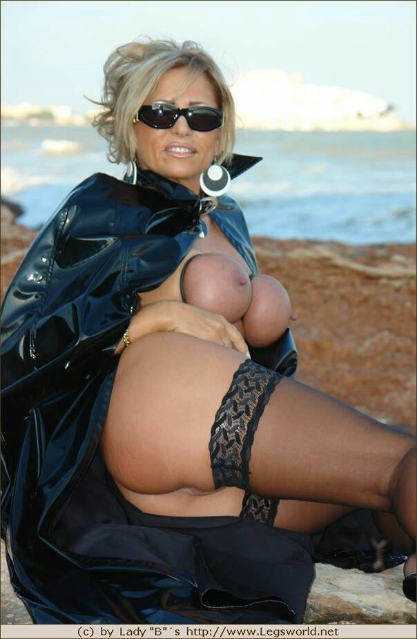 Lady Barbara Busty 79