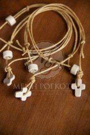 Μένη Ρογκότη - Μαρτυρικά βάπτισης βραχιόλι κορδόνι με σταυρουδάκι ξύλινο και χάντρα