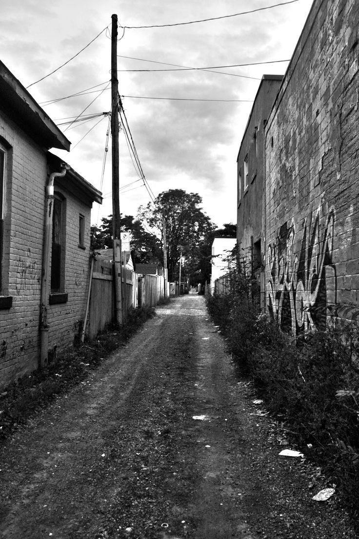 Scary Alley Way: Fotoaction Photography. Location: Downtown Hamilton