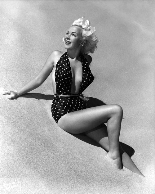 Lynn Roebuck, photo by Bruno Bernard: Vintage Beauty, Pin Up Vintage, Lynn Roebuck, Art, Classic Photos, Vintage Pinups, Vintage Ladies, Photography Inspiration