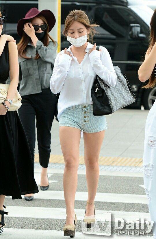 Soyeon of T-ara airport fashion