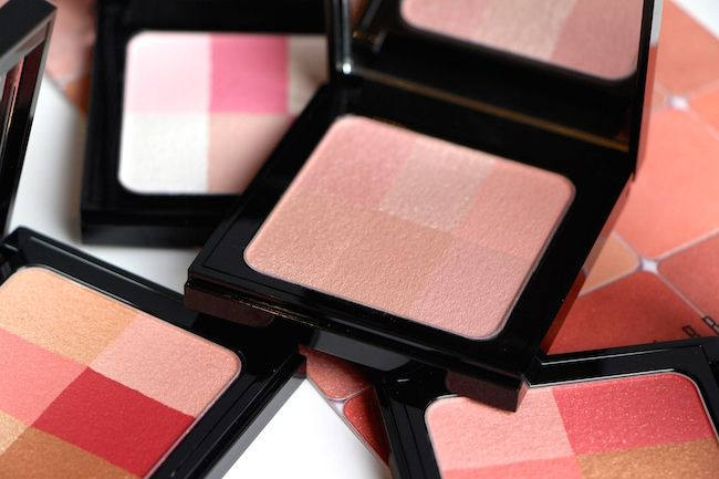 Bobbi Brown's Brightening Bricks: Brush-On Glow. | A Model Recommends