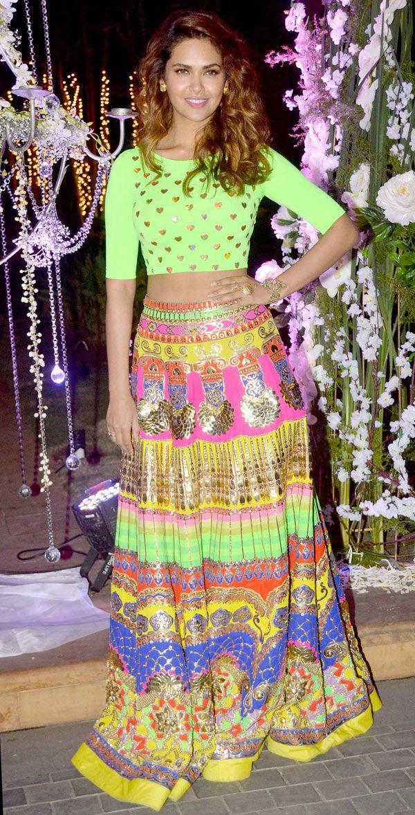 Esha Gupta at Manish Malhotra's niece Riddhi's sangeet.