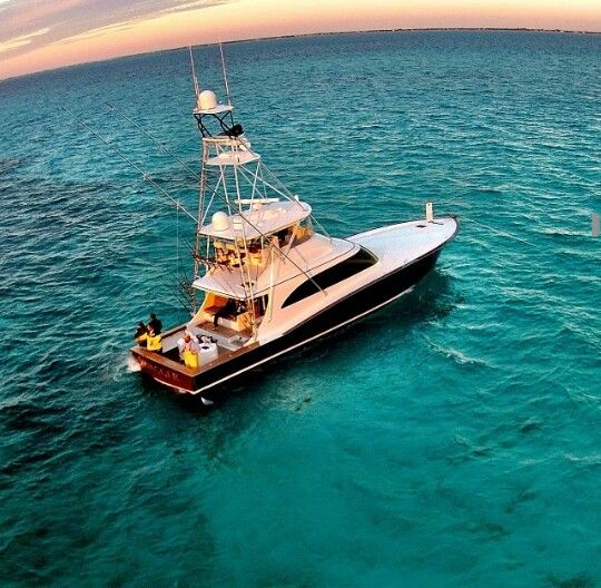 Fishing the Florida Keys. #reellife #gearthatfitsyourlifestyle www.reellifegear.com