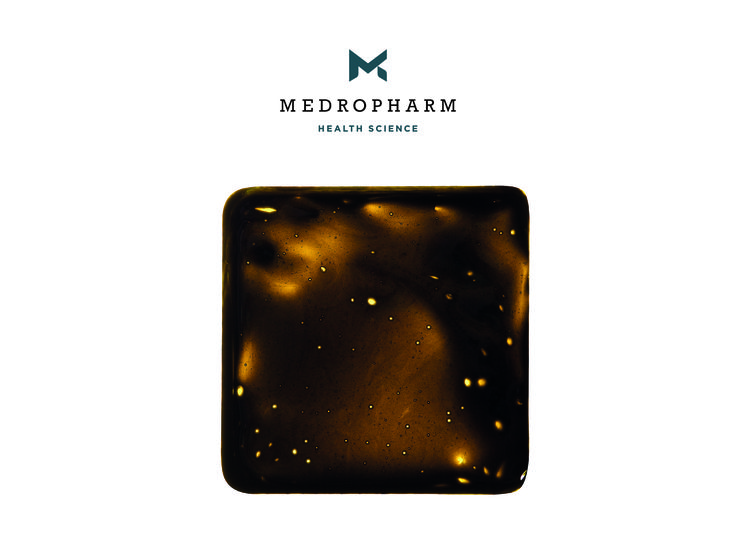 """CBD Raw Oil / Extract - We have two different types of CBD Oil. The paste from the first extraction """"dark color"""" 7-20% CBD and the filtered version """"golden color"""" with 25-50%. Learn more about the Medropharm product range, get in contact with us: www.medropharm.ch Like us on Facebook: www.facebook.com/medropharm #thc #medicalmarijuana #Cannabidiol #cbd #weed #medropharm"""