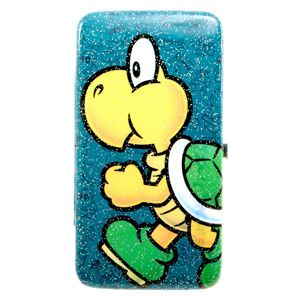 Koopa Troopa isstrutting his stuff here on thissnap-close hinged purse from Nintendo. This officially licensedpurseFeatures an image of Bowser's loyal soldier, marching forward, no doubt on his way to trip up Super Mario or Luigi.   *Available for only £15.95 at www.RetroStyler.com (at time of Pinning)  #bioworld #turtlepurse #koopatroopapurse #koopatroopa #supermario #supermariobros #retrostyler