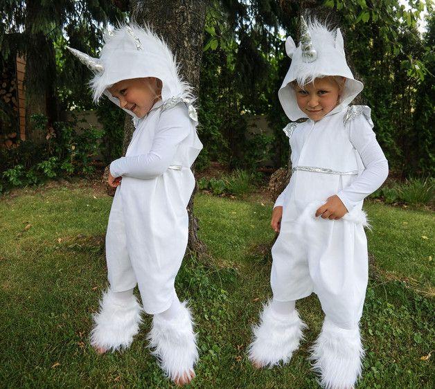 **märchenhaftes Einhornkostüm** Auf vielfachen Wunsch gibt es jetzt auch Das Einhorn in limitierter Stückzahl als Kostüm in meinem Shop. Das Kostüm besteht aus einem kurzen frechen Overall mit...