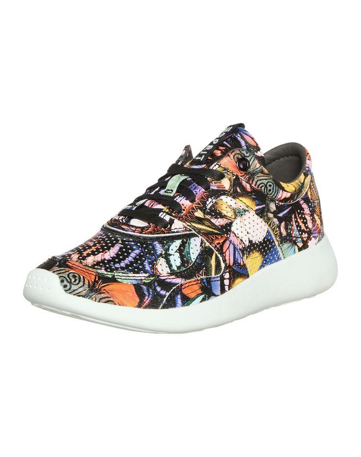 Der Sneaker von Esprit fällt dank seiner knalligen Farben sofort ins Auge @aboutyoude http://www.aboutyou.de/p/esprit/sneaker-low-cloudy-2214113?utm_source=pinterest&utm_medium=social&utm_term=AY-Pin&utm_content=2016-07-KW-27&utm_campaign=Regenbogen-Board