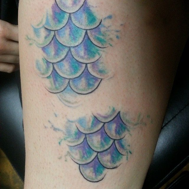 TATTOO: Watercolor Mermaid Scales. Kinda like this but with placoid scales!
